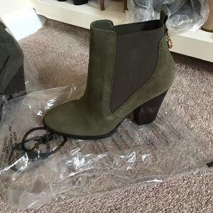 Mini boot heels